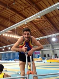 Simone Bernardi a conclusione dei 3000 indoor ad Ancona