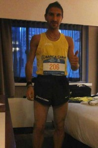 Gian Luca nella camera d'albergo prima della gara