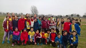 Il gruppo degli atleti più giovani impegnato al Cross di Cesena