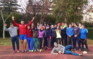 Il gruppo degli atleti del raduno di Grosseto, presenti Simone Bernardi e Federico Mengozzi (Foto Colombo, FIDAL)