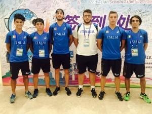 La formazione degli studenti dell'Alberghetti, tutti atleti dell'Atletica Imola